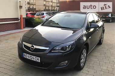 Opel Astra J 2011 в Ужгороде