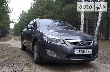 Opel Astra J 2011 в Орехове