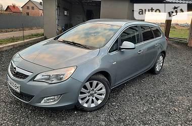 Универсал Opel Astra J 2011 в Луцке