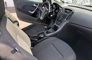 Купе Opel Astra J 2013 в Киеве