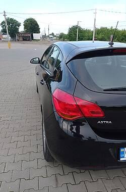 Хетчбек Opel Astra J 2009 в Чернівцях