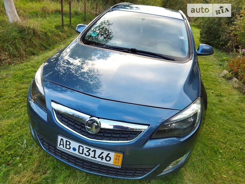 Opel Astra J NAVI KLIMA