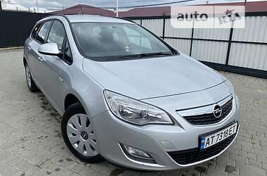 Унiверсал Opel Astra J 2011 в Івано-Франківську