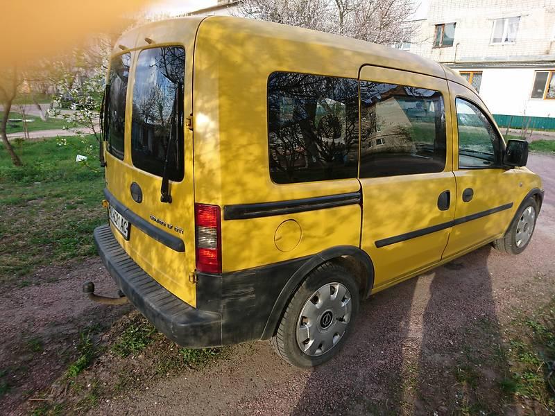 Opel Combo пасс. 2004 в Житомире