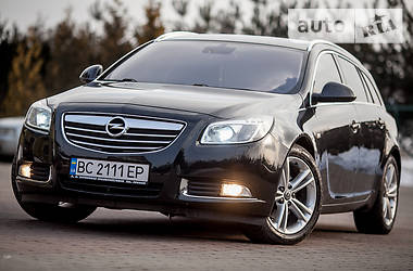 Opel Insignia 2.0 T 2011