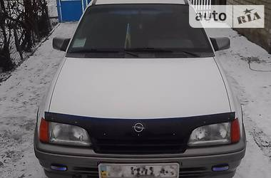 Opel Kadett 1990 в Донецке