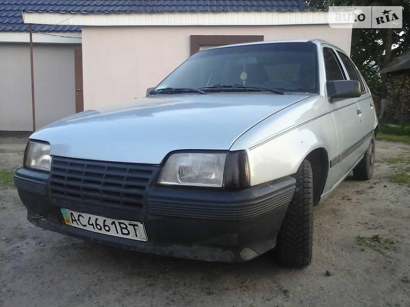 Opel Kadett 1987 в Любомлі