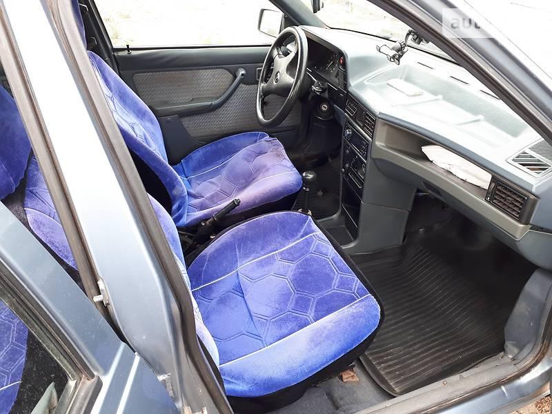 Opel Kadett 1989 в Кривом Роге