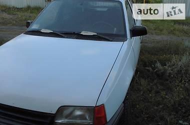 Opel Kadett 1986 в Луганске