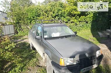 Opel Kadett 1988 в Волочиске
