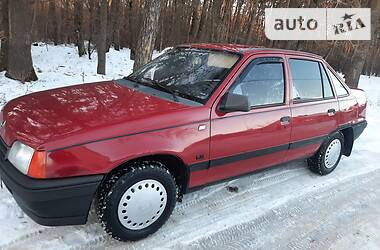 Opel Kadett 1990 в Луцке