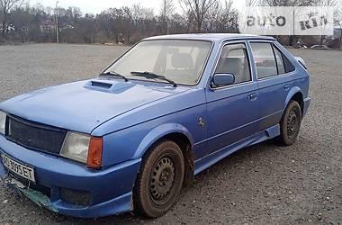 Хэтчбек Opel Kadett 1983 в Ужгороде