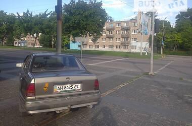 Седан Opel Kadett 1990 в Днепре