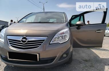 Opel Meriva 2011 в Городке