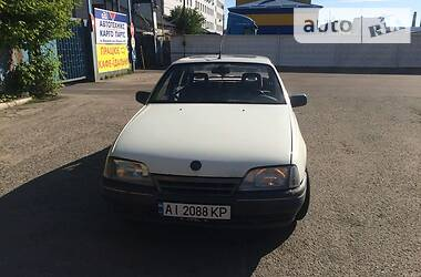Opel Omega 1987 в Киеве