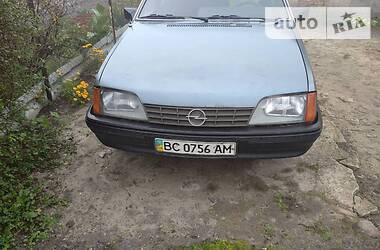 Opel Rekord 1986 в Владимир-Волынском