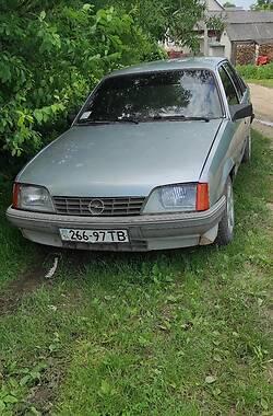 Седан Opel Rekord 1986 в Подгайцах