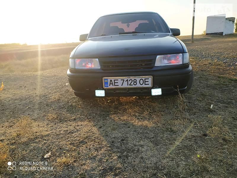 Opel Vectra A 1989 в Желтых Водах