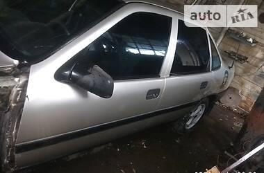 Opel Vectra A 1990 в Варві
