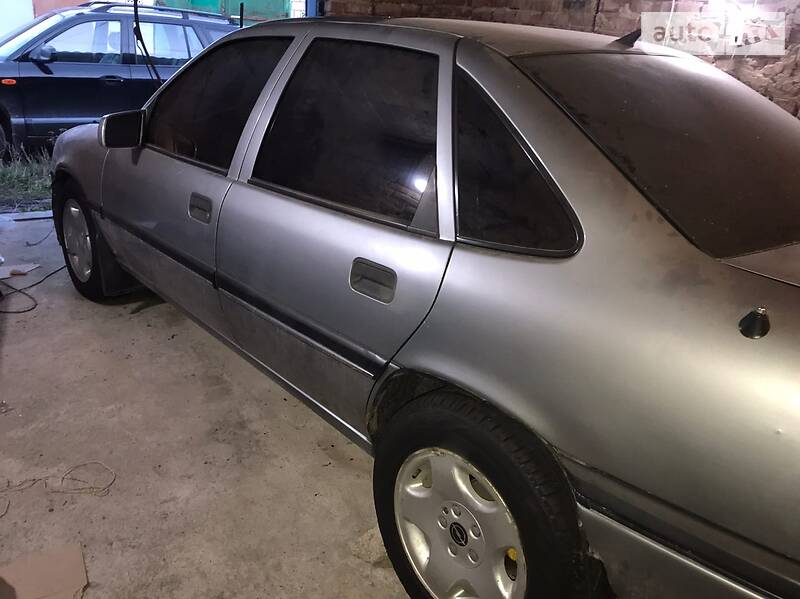 Opel Vectra A 2.5 V6