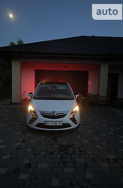 Минивэн Opel Zafira Tourer 2014 в Нововолынске