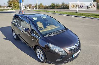 Opel Zafira 2013 в Киеве