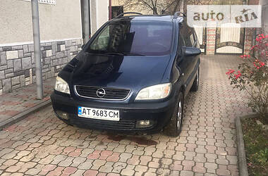 Opel Zafira 2002 в Надворной