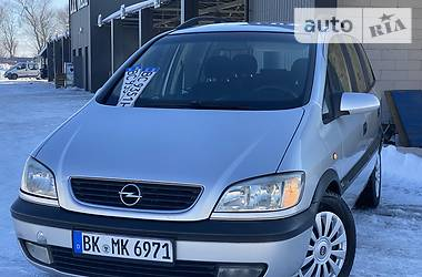 Opel Zafira 2001 в Дрогобыче