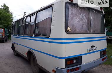 Городской автобус ПАЗ 3205 2003 в Лубнах