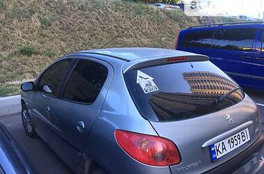 Хэтчбек Peugeot 206 2005 в Киеве