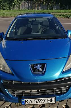 Хетчбек Peugeot 207 2011 в Києві
