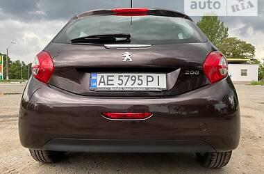 Хэтчбек Peugeot 208 2012 в Днепре