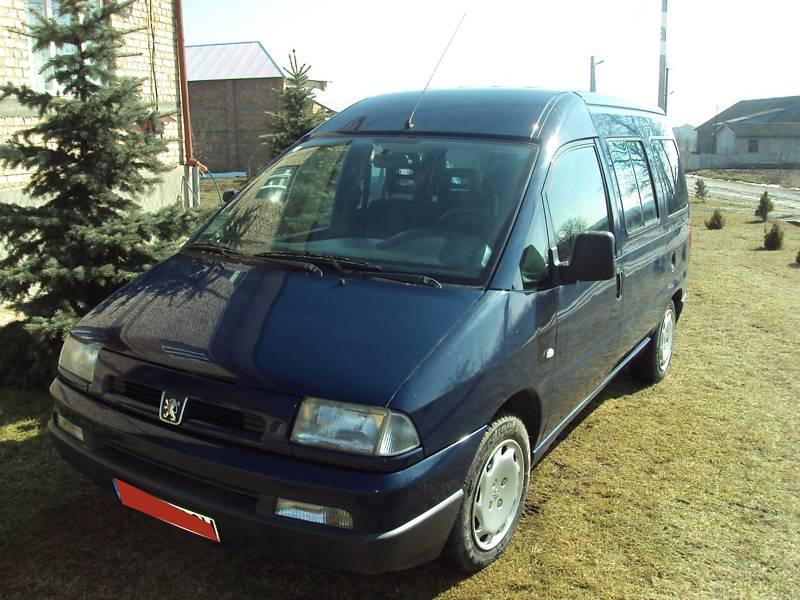 Peugeot Expert пасс. 2002 в Новоселице