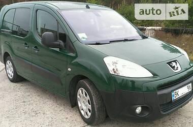 Peugeot Partner пасс. 2011 в Вараше