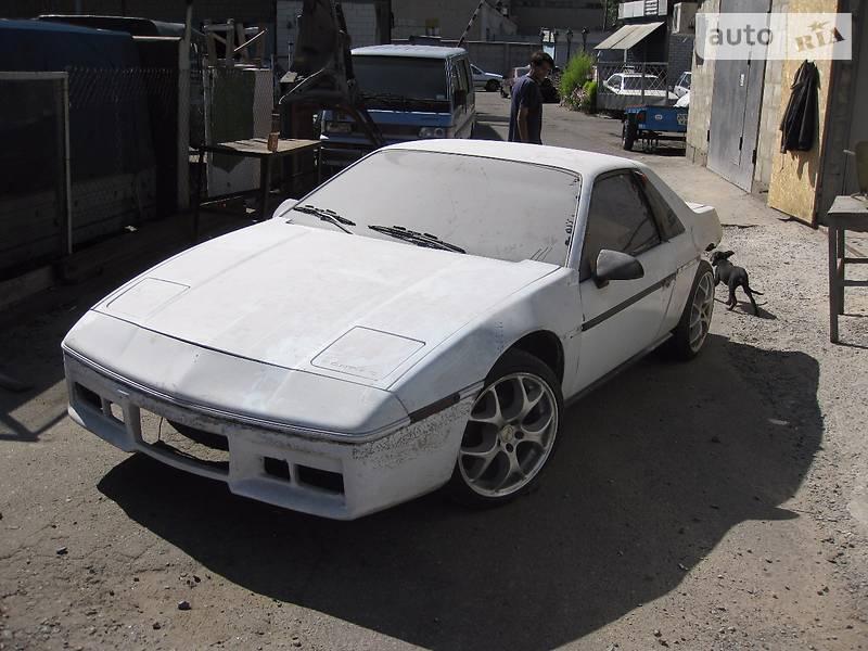 Pontiac Fiero 1984 року