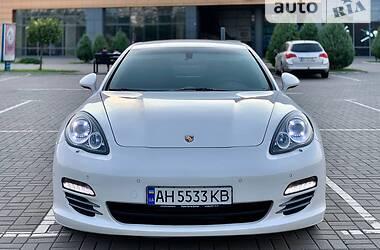 Купе Porsche Panamera 2010 в Мариуполе