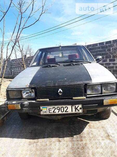 Renault 9 1994 года