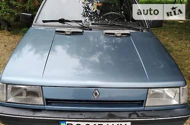 Renault 9 1988 в Золочеве