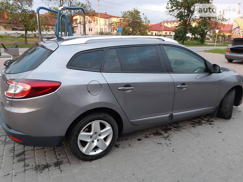 Унiверсал Renault Megane 2014 в Ужгороді