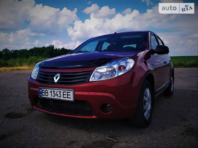 Хэтчбек Renault Sandero 2011 в Старобельске