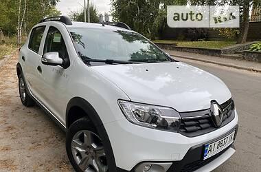 Внедорожник / Кроссовер Renault Sandero 2019 в Киеве