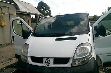 Renault Trafic пасс. 2003 в Нововолынске