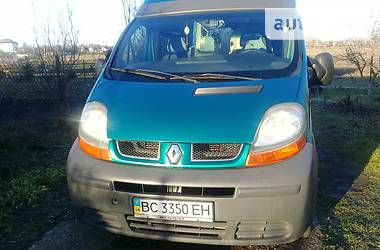 Renault Trafic пасс. 2003 в Золочеве