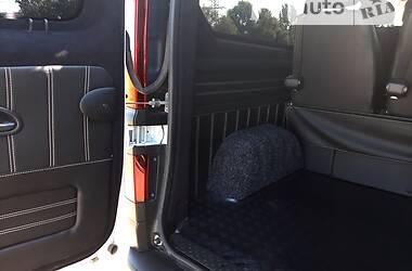 Легковой фургон (до 1,5 т) Renault Trafic пасс. 2016 в Днепре