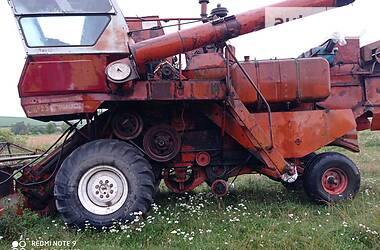 Комбайн зерноуборочный Ростсельмаш Нива СК-5 1992 в Бучаче
