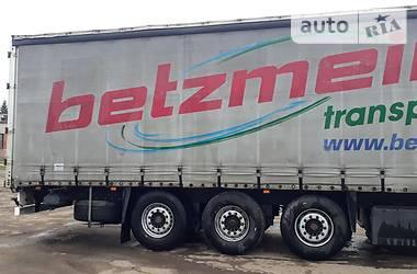 Бортовой полуприцеп Schmitz Cargobull S01 2002 в Львове