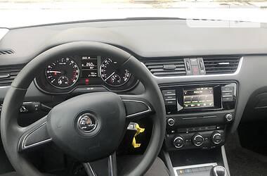 Седан Skoda Octavia A7 2015 в Сумах