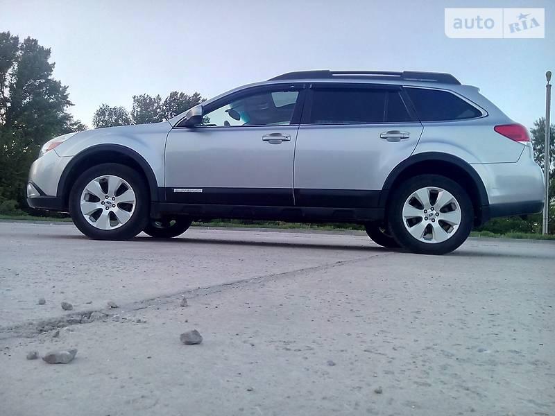 Subaru Outback 2011 в Каневе