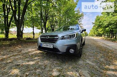 Позашляховик / Кросовер Subaru Outback 2018 в Тернополі
