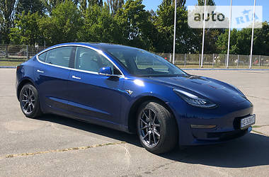 Tesla Model 3 Dual Motor Long Range 2019 в Днепре